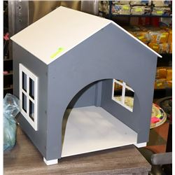 TRENDY DOG HOUSE FOR THE SMALLER DOG IN YOUR