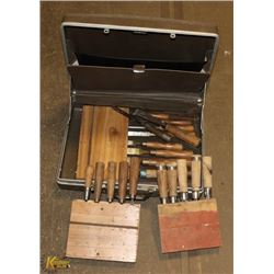 BRIEFCASE OF WOOD CHISELS