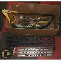 LARGE BOX OF VARIOUS TOOLS INCL WRENCHES, VISE