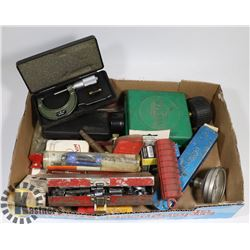 FLAT OF GAUGES, MICROMETERS AND MORE.