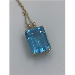 14K YELLOW GOLD PENDANT WITH BLUE TOPAZ AND CHAIN