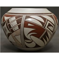 HOPI INDIAN POTTERY (JOY NAVASIE)