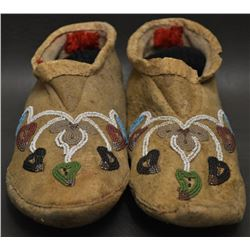 NORTHERN PLAINS INDIAN  MOCCASINS