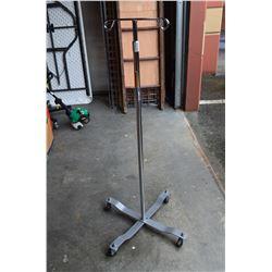 Rolling & adjustible Hanger Stand