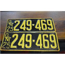 Set - 1925 Ont. License Plates