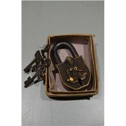 Vintage Lock(s) / with Keys!