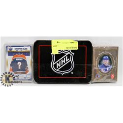 BUNDLE OF NHL COLLECTIBLES INCLUDING WAYNE GRETZKY