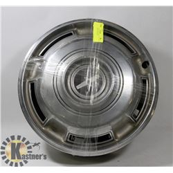 SET OF 4 CHEV HUBCAPS