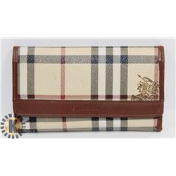 WOMEN'S UNAUTHENTICATED BURBERRY WALLET.