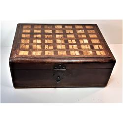 20)  VINTAGE NATURAL WOODEN BOX WITH