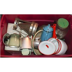 TOTE OF VINTAGE COOKWARE