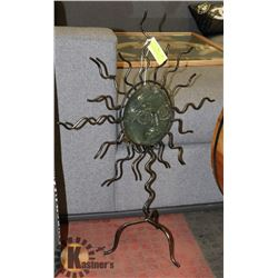 METAL AND GLASS SUN DECORATIVE GARDEN CANDLE