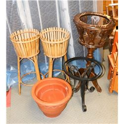 LOT OF 5 VARIOUS POT AND PLANT STANDS