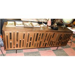 MODERN WOOD CREDENZA WITH GEOMETRIC WOOD DESIGN