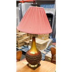 ORANGE BROWN TABLE LAMP.