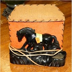 HORSE TABLE LAMP.
