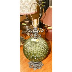 GREEN TABLE LAMP WITH NO SHADE.