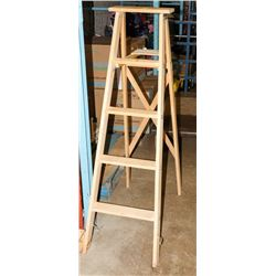 5FT WOOD LADDER