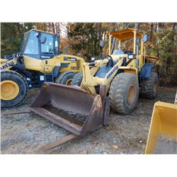 2004 KOMATSU WA200-5L WHEEL LOADER, VIN/SN:A82066 - COUPLER, FORKS, BUCKET, CANOPY, 20.5R-25 TIRES