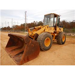 CAT 924F WHEEL LOADER, VIN/SN:5NN00994 - BUCKET, CAB, 20.5R25 TIRES, METER READING 21,791 HOURS
