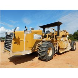 2011 CAT RM300 RECLAIMER, VIN/SN:BWR00528 - CANOPY, 28L-26 TIRES, METER READING 2,917 HOURS