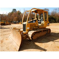 2006 CAT D5G XL CRAWLER TRACTOR, VIN/SN:WGB03279 - 6 WAY BLADE, CANOPY, SWEEPS, METER READING 5,331