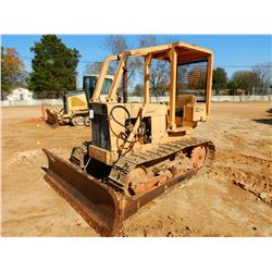 CASE 350 CRAWLER TRACTOR, VIN/SN:3053330 - 4 WAY BLADE, CANOPY, SWEEPS, REAR SCREEN
