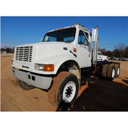 2002 INTERNATIONAL 4900 CAB & CHASSIS, VIN/SN:1HTSJAAR32H522251 - IHC DT466 ENGINE, A/T, 6X6, GVWR 2
