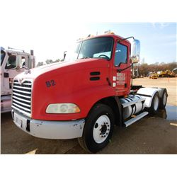 2004 MACK CX613 TRUCK TRACTOR, VIN/SN:1M1AE06Y44N017265 - T/A, 427 HP MACK ENGINE, 10 SPEED TRANS, A