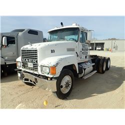 1998 MACK CH613 TRUCK TRACTOR, VIN/SN:1M2AA13Y9WW091277 - T/A, MACK E7-350 ENGINE, 10 SPEED TRANS, 4