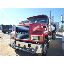 2006 MACK CHN613 WATER TRUCK, VIN/SN:1M2AJ06C66N006203 - T/A, MACK DIESEL ENGINE, 10 SPEED TRANS, MA