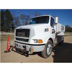 2000 STERLING L8513 WATER TRUCK, VIN/SN:2FWWMJBA6YAF29207 - S/A, CAT 3126 ENGINE, 6 SPEED TRANS, AIR