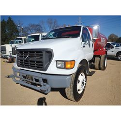 2000 FORD F650 WATER TRUCK, VIN/SN:3FDNF6566YMA05535 - DIESEL ENGINE, 6 SPEED TRANS, GVWR 26,000LB,