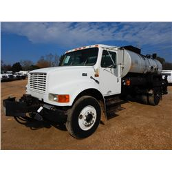 1996 INTERNATIONAL 4700 ASPHALT TRUCK, VIN/SN:1HTSCAAN7TH308114 - S/A, IHC DT466 DIESEL ENGINE, 5 SP