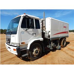 2009 ELGIN 3300 SWEEPER TRUCK, VIN/SN:JNAPC81L49AF75096 - DIESEL ENGINE, A/T, ELGIN GEOVAC BODY, ODO