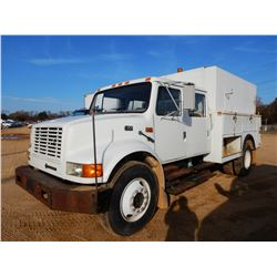 1996 INTERNATIONAL 4700 SERVICE TRUCK, VIN/SN:1HTSCABLXTH282069 - CREW CAB, S/A, INTL T444E DIESEL E