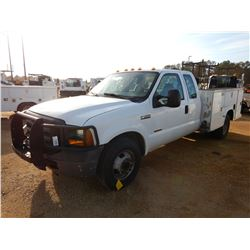 2006 FORD F350 SERVICE TRUCK, VIN/SN:1FDWX36P16ED35187 - EXT CAB, POWERSTROKE DIESLE ENGINE, A/T, SE