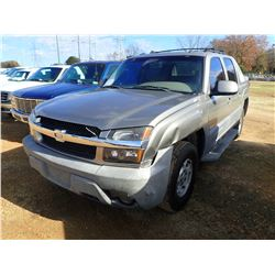 2002 CHEVROLET AVALANCHE VIN/SN:3GNEK13T62G231678 - 4X4, GAS ENGINE, A/T, ODOMETER READING 228,385 M