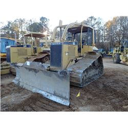 CAT D5M CRAWLER TRACTOR, VIN/SN:3CR00441 - 6 WAY BLADE, CANOPY, SWEEPS, SIDE & REAR SCREENS