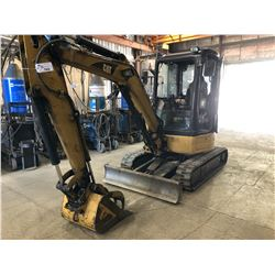 2006 CAT MODEL 303CCR S/N: BXT0995 MINI EXCAVATOR WITH BUCKET WITH HYDRAULIC THUMB, PUSH BAR, RUBBER