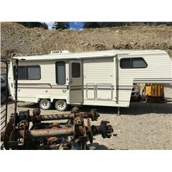 1990 OKANAGAN MODEL 5W25RK 25' FIFTH WHEEL CAMPER, VIN 2K9T5S253L2012074