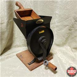 Grinder Mill & Treenware Scoop