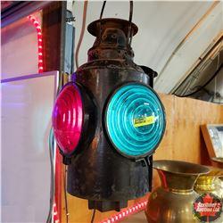 Electrified Train Signal Lantern (Green & Red)