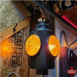 Electrified Train Signal Lantern (Amber)