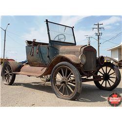 MODEL T - Wood Spoke Wheels (Power Train in the car) (c/w 2 Pallets & 2 Crates of Parts)