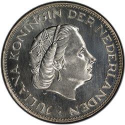 NETHERLANDS: Juliana, 1948-1980, AR 2 1/2 gulden, 1961. PCGS MS67