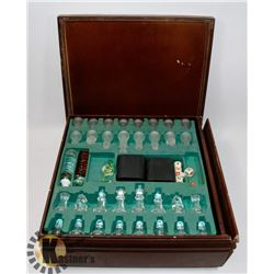 VINTAGE GLASS CHESS AND CHECKER GAME