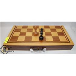 VINTAGE WOOD CHESS BOARD WITH PIECES