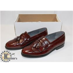 EXPRESSIONS FOR MEN SIZE 11 BURGUNDY DRESS SHOES