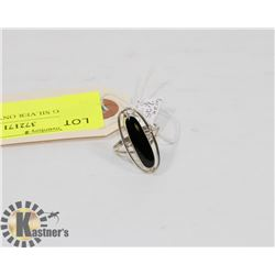 STERLING SILVER ONYX RING SIZE 7.25.